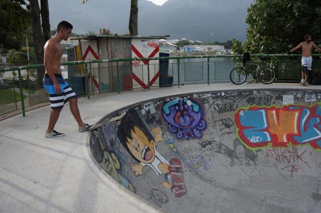 Parque dos Patins, a skating park.